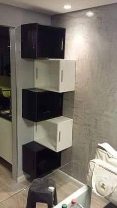 √ Bathroom Storage Ideas for Small Bathroom – On a Budget yet Creative – Diy Bathroom İdeas Pallet Furniture, Furniture Making, Home Furniture, Furniture Ideas, Furniture Storage, Cheap Furniture, Rustic Furniture, Milk Crate Furniture, Fireplace Furniture