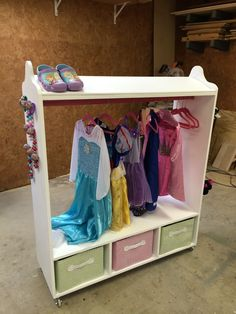 Wilker Dou0027s: DIY Dress Up Station For Kids