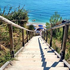Stairway to the seaside. ❤ Sirolo verso il Spiaggia di San Michele (Foto by Jayson Jayson Piersanti classificata al challenge Have A Great Vacation, Great Vacations, Expo Milano 2015, Expo 2015, Places To Travel, Places To See, Travel Around The World, Around The Worlds, Honeymoon Vacations