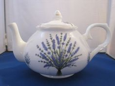 LAVENDER-FINE-BONE-CHINA-MADE-IN-ENGLAND-TEAPOT-6-CUP-40oz-Adderley-Ceramics