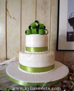 white and green Bridal Shower cake