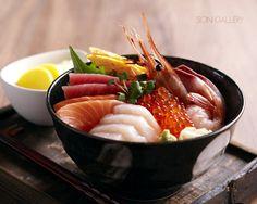 海鮮丼 Sashimi Don.