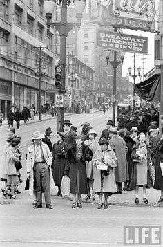 Street Life 1938 -- Katz Drugs was a very popular drug store during the era