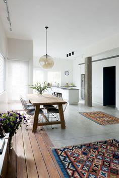 עיצוב פנים Interior Design Inspiration, Rugs, House Styles, Tel Aviv, Interiors, Home Decor, Kitchen, Life, Ideas