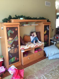 Who needs a TV when you have a child's reading nook!!