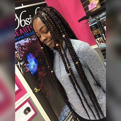 Jumbo box braids https://instagram.com/p/BVDg62ylnfS/