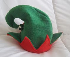 Nap Time Crafters: Elf Hat & Booties Tutorial