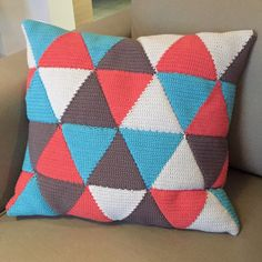 Sweet home Spring Crochet Cushion Cover, Crochet Cushions, Crochet Pillow, Cushion Covers, Plaid Au Crochet, Knit Crochet, Crochet Motifs, Filet Crochet, Weaving Projects