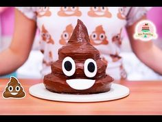 POOP EMOJI CAKE | MY LITTLE CAKES - YouTube