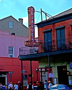 Day in the quarter.  #Nola #igersoflouisiana #neworleans #louisiana #frenchquarter #tujagues #vsco #vscocam #photography #photographer #photooftheday #explorenola #followyournola #exploreno #exploreneworleans by shel.pogue
