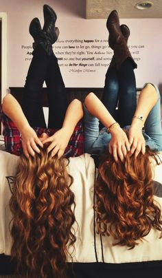 Best friend poses <3 I love this!