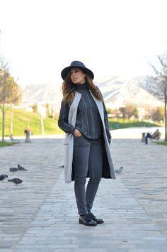 d10ee014a0ac L atout gris   LovaLinda x Blog Mode Look Marseille x French Connection Hat  x Zara Jacket x Stella McCartney Turtleneck Sweaters x Chanel Boy x Stella  ...