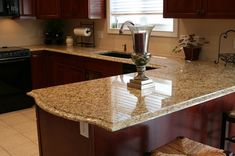 Venetian gold granite kitchen is all about luxury and style. Venetian gold granite kitchen countertops feature beauty and versatility at high value. Cheap Granite Countertops, Laminate Countertops, Granite Kitchen, Kitchen Countertops, Countertop Options, Kitchen Cabinets, Oak Cabinets, White Cabinets, Kitchen Island