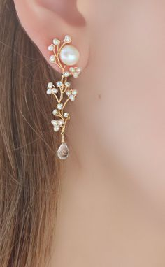 Freshwater pearl Stud Earrings with Hand Wired Rhinestone and Pearl Cascade Drop, Statement Wedding Earrings, Bridal Earrings Süßwasserperlen Ohrstecker mit. Pearl Stud Earrings, Pearl Studs, Pearl Jewelry, Crystal Earrings, Wire Jewelry, Beaded Jewelry, Diamond Earrings, Diamond Stud, Silver Earrings