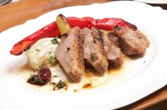 Duck Breast in the Oven Recipe Thomas Sixt - Duck breast recipe for the oven, conjure up a fine dish quickly and with little effort. Step by ste - Duck Recipes, Oven Recipes, Chicken Recipes, Cooking Videos, Cooking Time, Duck Breast Recipe, Roast Duck, Sausage, Pork