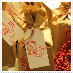 wrapping panetones