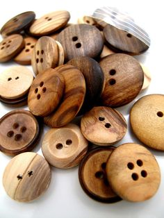 Buttons Primitive Wood Mix x30 with 3 different styles by BigFish, £9.80
