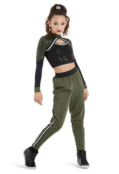 Dancewear to bounce schools, performers, dancers; high quality and beginners. Hip Hop Dancer Outfits, Hip Hop Outfits, Dance Outfits, Dance Costumes Kids, Hip Hop Costumes, Hip Hop Fashion, Teen Fashion, Ropa Hip Hop, Dance Dreams