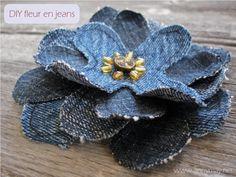 Sewing Fabric Flowers Making flowers with jeans – pattern and DIY tutorial PDF - Sewing Patterns at Makerist - Diy Jeans, Recycle Jeans, Fabric Flower Headbands, Fabric Flowers, Material Flowers, Thread Hair Wraps, Artisanats Denim, Jean Diy, Fleurs Diy