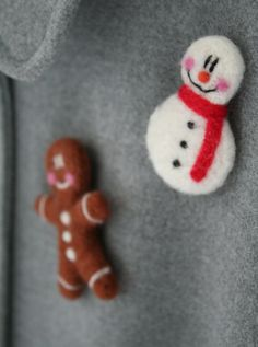 Christmas Snowman Pin * Needle Felt * Handmade * Brooch * Tie Tack * Lapel Pin * Hat Pin * Unisex Gift * Unique Christmas Stocking Fillers https://www.etsy.com/listing/250186319/christmas-snowman-pin-needle-felt