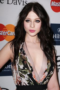 Michelle Trachtenberg- love her hair and skin!
