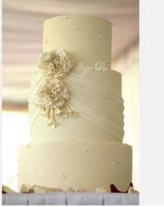swag/draping on cake to go with dress