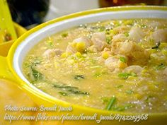 Suam na mais is a Filipino corn soup cooked with sliced pork and shrimp. It is great to serve this as an appetizer or as a viand served with cooked rice. Corn Soup Recipes, Side Dish Recipes, Veggie Recipes, Cooking Recipes, Vegetarian Recipes, Filipino Dishes, Filipino Recipes, Asian Recipes, Filipino Food