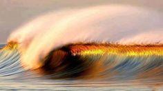 Quando ti trovi in balia delle onde, in una situazione difficile e tutto si volge contro finché sembra che tu non possa resistere un minuto di più, allora non mollare, perché proprio in quel momento può cambiare la marea.  (S. Harriet)