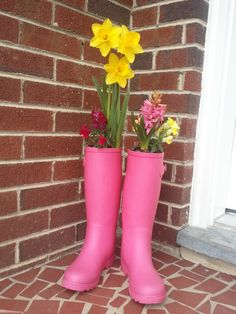 I planted bulbs in boots last year and put them on my front porch ~ just waiting for Spring!