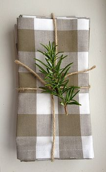 lovely check napkin with twine rosemary Linen Napkins, Cloth Napkins, Napkins Set, Gingham Wedding, Brunch Decor, Thanksgiving Table, Table Linens, My Favorite Color, Seasonal Decor