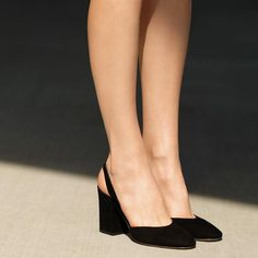 Force shoes with cork feet are sunny atmospheric condition footwear apparel necessities. Pretty Shoes, Beautiful Shoes, Cute Shoes, Me Too Shoes, Sock Shoes, Shoe Boots, Wedge Shoes, Shoes Heels, Fashion Shoes