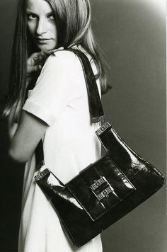 Jousi-laukku #käsilaukut #muoti #1960luku Ted Baker, Gym Bag, Tote Bag, Bags, Fashion, Handbags, Moda, Fashion Styles, Duffle Bags
