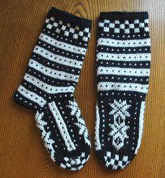 Ravelry: Fana Socks for Men pattern by Nina Figenschau-free pattern