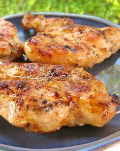 Sweet  Tangy Grilled Chicken - cider vinegar  brown sugar make a surprisingly great marinade! #MemorialDay #grilling