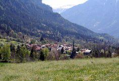 Almens ist ein Dorf welches im Schweizer Kanton Graubünden liegt.