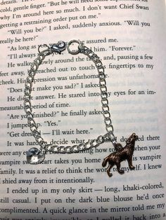 Twilight Charm Bracelet Swarovski heart and wolf Twilight Quotes, Twilight Book, Twilight Pictures, Forks Twilight, Swarovski Heart Pendant, Swarovski Crystals, Book Aesthetic, Red Aesthetic, Eclipse Book