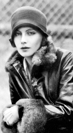 Greta Garbo when she first arrived in Hollywood. circa 1925. http://www.pinterest.com/AlanaghM/flapper-girls-o-1920-style/