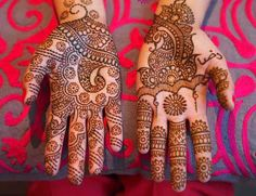 Henna Designs - Explore about the beautiful henna designs, indian mehndi designs, find contemporary alms of henna designs on karwachauth. This page provides you beautiful henna design ideas, karwa chauth mehndi designs and henna tattoos. Hd Mehndi Design, Beautiful Mehndi Design, Arabic Mehndi Designs, Simple Mehndi Designs, Mehndi Designs For Hands, Bridal Mehndi Designs, Small Tattoo Designs, Rajasthani Mehndi Designs, Indian Henna Designs