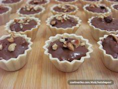 Ferrero korpice — Coolinarika Cookie Desserts, Sweet Desserts, Sweet Recipes, Cookie Recipes, Delicious Desserts, Dessert Recipes, Yummy Food, Croation Recipes, Torta Recipe