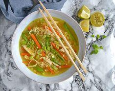 Detox-supper til afgiftning og desinficering ELLE Chutney, Cheddar, Thai Red Curry, A Food, Bacon, Low Carb, Soup, Ethnic Recipes, Liv