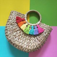 Your place to buy and sell all things handmade : Handmade Tassel Straw Bag Diy Bag Crafts, Craft Bags, Diy Fashion Hacks, Pink Shoulder Bags, Diy Tote Bag, Art Bag, Boho Bags, Artisanal, Straw Bag