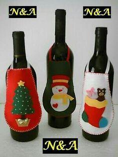 🌲 ⛄ Artesanatos: Avental de Garrafa em Feltro - Natal - / 🌲 ⛄ Crafts: Bottle Apron on Felt - Christmas - Christmas Wine, Felt Christmas Ornaments, Felt Decorations, Christmas Decorations, Christmas Projects, Holiday Crafts, Deco Table Noel, Theme Noel, Wine Bottle Crafts