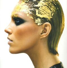 VOGUE-NIPPON-GOLD-4