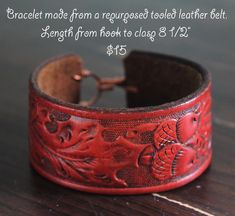 Made from a repurposed leather belt.like the wire hook and loop.Stacy Rhodes make me one ! Leather Jewelry Making, Diy Leather Bracelet, Leather Gifts, Leather Craft, Handmade Leather, Leather Bags, Leather Carving, Leather Tooling, Jewelry Crafts