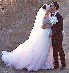 Anne Hathaway Wedding Dress - Bing images