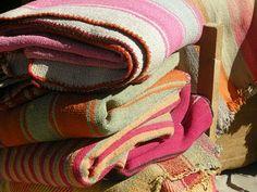 mantas tejidas en telar de madera. Jujuy, Argentina