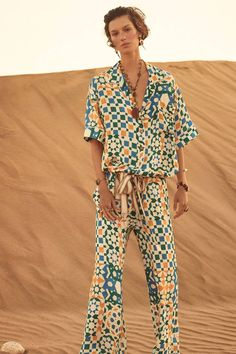 Zara just dropped its summer collection and now we're sure this is the colour of the season Moda Zara, Zara Fashion, Fashion Outfits, Womens Fashion, Cheap Fashion, Zara Mode, African Fashion, African Men, African Attire