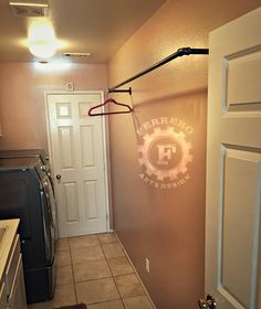 Diy Clothes Rack On Wall Laundry Rooms 27 Ideas Laundry Room Remodel, Laundry Room Storage, Laundry Room Design, Laundry Rooms, Rack Industrial, Industrial Closet, Pipe Closet, Laundry Room Inspiration, Garment Racks