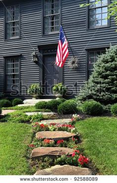 Trendy House Exterior Colonial New England Exterior Colonial, Colonial House Exteriors, Colonial Architecture, Bungalow Exterior, Saltbox Houses, Old Houses, Gray Houses, Exterior Colors, Exterior Paint