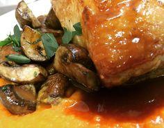 Iberico-Rücken mit Süßkartoffelpüree & Steinchampignons #live #iberico #sweetpotato #mushrooms